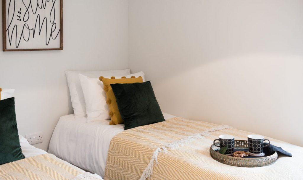 The Single Tor Bedroom 2